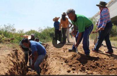 Campesinos de Atenco empiezan con renaturalizar cauce del río Xalapango, dañado por NAICM